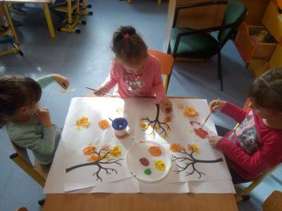Jesienne zabawy w przedszkolu